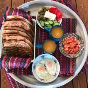 صبحانه رنگین خانه